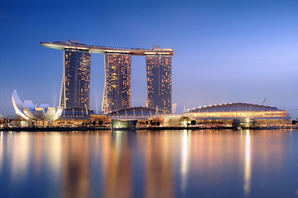 1200px-Marina_Bay_Sands_in_the_evening_-_20101120
