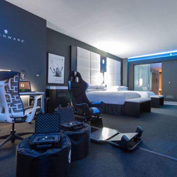 Hilton_Panama_Alienware_Room_Gaming_hotel_room_12