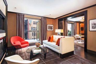The-Chatwal-Luxury-Collection-Hotel-New-York-Producer-Suite-Living-Room-640x426