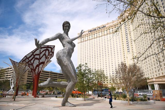 web1_bliss-dance-sculpture-installation-3-4-16_04.jpg